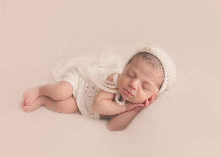 Houston neutral newborn photographer