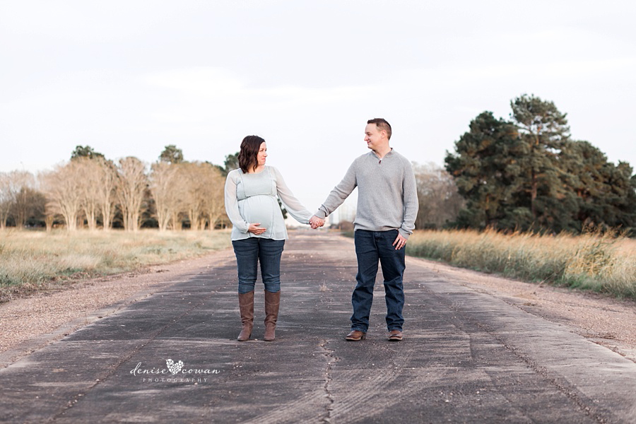 Kingwood Maternity Photographer | Natural Light Maternity Session